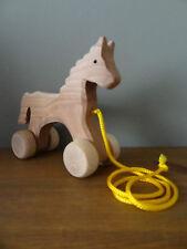 En bois à tirer cheval-fait à la main, belle jouet