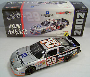 2002 Action 1:24 KEVIN HARVICK #29 GM Goodwrench Service CWC 1/115,332 MIB