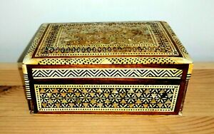 Vintage Inlaid Marquetry Mother Of Pearl Trinket Box