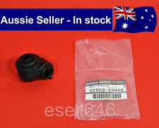GENUINE NISSAN PATROL GQ Y60 LOWER TRANSFER LEVER RUBBER CASE SHIFT BOOT NEW