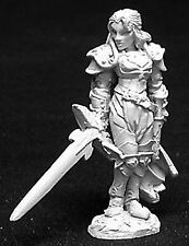 Reaper Miniatures Dark Heaven Legends 02725 Alaine, Female Paladin
