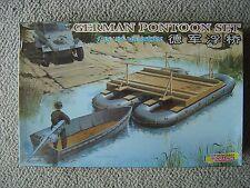 Shanghai/Dragon 1/35 German WWII Pontoon Set and Assault Motor Boat