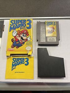 Super Mario Bros 3 Nintendo NES 1990 - IN BOX - With Booklet And Sleeve