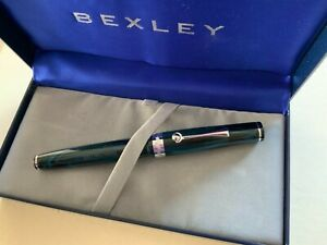 Bexley Deluxe 2009 Blue/Black Owners fountain pen 18k broad nib