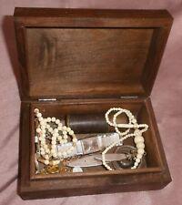 Coffret à bijoux bois & porte louis d'or , bagues montre ouvre-lettres chapelet