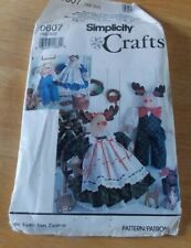 Simplicity Craft Pattern Stuffed Reindeer and Bear with Clothes #0607 1990 uncut
