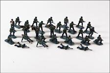 Vintage Airfix HO/00 WW II German Paratroops 29 pieces painted World War 2 WW2