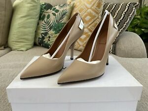 Brand New Givenchy Paris Tisci Nude Camel Leather Calfskin Heels $495 Retail
