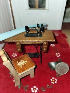 Vintage Dollhouse Miniature Table top Sewing Machine Metal