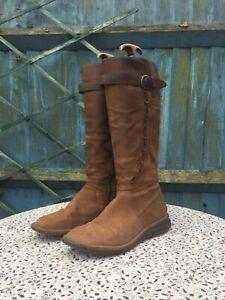 CLARKS - Tan - Nubuck Leather - Zip Up - Knee High - Boots  - UK 7