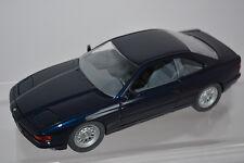 BMW 850i, d'inclinaison Phares bleu métallisé, M 1:24 SCHABAK 1630 ORI. emballage!