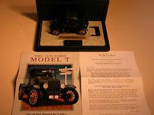 1925 FORD MODEL T RUNABOUT ROADSTER BLACK DANBURY MINT 1:24 DIECAST & DISPLAY