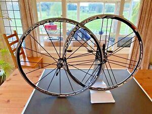 Campagnolo Shamal Ultra C15 Clincher Wheelset. Campagnolo hub