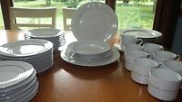 Gibson Anniversary Fine China Dinnerware Set Platinum trim White service for 6 +