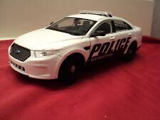 Welly Ford Taurus police interceptor  1/24 scale new no box