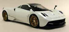 GT Autos 1/18 Scale - Pagani Huayra Pearl White Supercar Diecast model Car