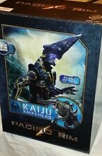 """NECA Pacific Rim KAIJU KNIFEHEAD 20"""" tall Deluxe monster w/ light-up eyes mouth"""