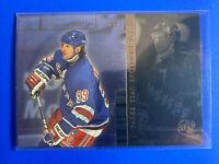 1998-99 Upper Deck UD3 3 Star Spotlight #91 Wayne Gretzky NYR Insert
