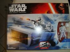 VESSEL FIRST ORDER SNOWSPEEDER + SNOWTROOPER STAR WARS HASBRO NEW B 3673