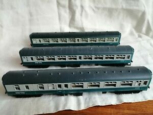 Hornby OO Gauge Intercity Carriages X3