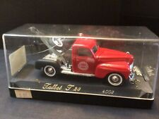 Solido Chicago Fire Dept. Red Tow Truck. Age D' Or
