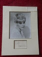 ELKE SOMMER ACTRESS PHOTO / AUTOGRAPH DISPLAY