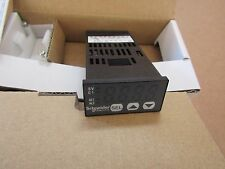 Schneider PID Temperature Controller 48 x 24 (1/32 DIN) 2 Output S1 7243885