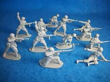 Classic Toy Soldiers (CTS) WWII Italian Infantry set of 12 54MM