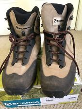 Scarpa hiking boots, size 41