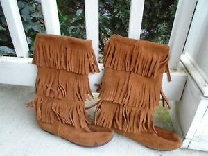 Minnetonka Brown Suede Leather 3 Layer Fringe Moccasins Boots Size 7