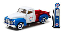 GMC 150 Pickup 1950 Chevron mit historischer Zapfsäule,1:18 Greenlight 12992