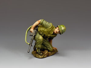 """King and Country VN043 """"Hunkered-Down""""--Single Vietnam-Era USMC Figure 1/30"""
