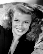 RITA HAYWORTH LEGENDARY ACTRESS - 8X10 PUBLICITY PHOTO (FB-082)