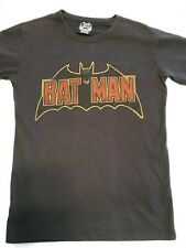 EARLY Junk Food T-Shirt with vintage BATMAN logo Size S SMALL preowned used OOP