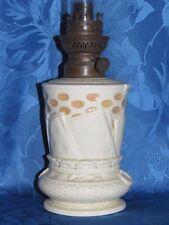 11D17 ANCIENNE LAMPE A PÉTROLE PORCELAINE DÉCORS JEU DE CARTES A JOUER ART DECO