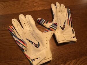 2018 STERLING SHEPARD AUTO ISSUED WORN CRUCIAL CATCH NIKE GLOVES SIGNED COA