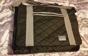 New* Men's Authentic Duck and Cover messenger Shoulder Bag, ⭐️Black ☆ Large