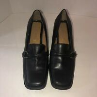 Villager A Liz Claiborne Co. Black Stacked Heel Pump With Silver Accent Size 8