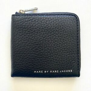 MARC JACOBS BLACK LEATHER HALF ZIP CARD COIN CASH MENS DESIGNER WALLET - NWT