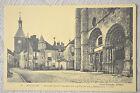 """CPA """" AVALLON - Eglise Saint Lazare et la Tour de l'Horloge."""