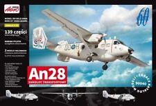 Aviones militares de automodelismo y aeromodelismo azules de escala 1:72