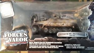 FORCES OF VALOR 1/32 81010 GERMAN SD KFZ 251/1 HANOMAG KURSK 1943 7TH Pz Div