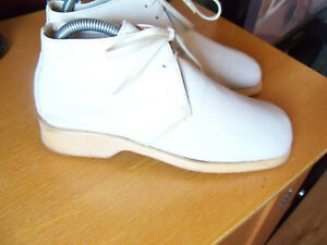 Ladies Desert Boots Size 4 Light Beige Soft Leather