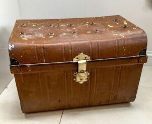 Vintage Tin Trunk 30's