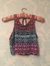 Colourful, patterned Crop Top