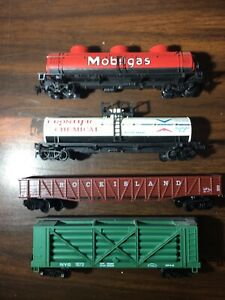 4 -- Vintage HO Scale Train Cars $1 Lot #212
