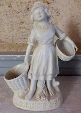 sujet biscuit porcelaine jeune fille aux paniers