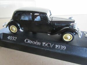 88R Solido 4032 France Citroën 15 Six Traction 1939 Noir 1:43 + Socle + Boite