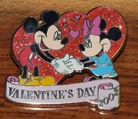 Disney Mickey & Minnie Mouse Valentines Day 2002 Glitter Collectible Trading Pin