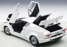 Autoart LAMBORGHINI COUNTACH 25th ANNIVERSARY EDITION WHITE 1/18 New! In Stock!